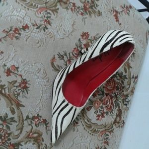 Wild pair pumps with a red bottom